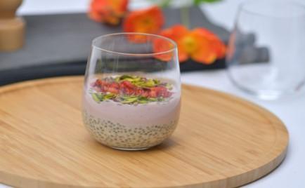 Oatmeal Chia Strawberry