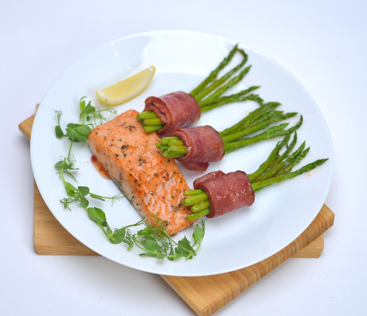 Salmon-Bacon Asparagus